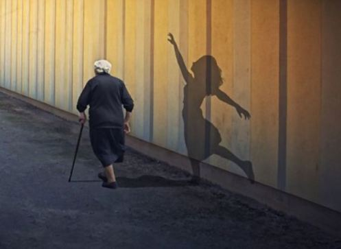 old-woman-shadow-of-lady